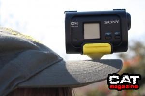 Come fissare la videocamera alla visiera del cappellino
