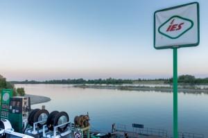 Il distributore di benzina presso la nautica