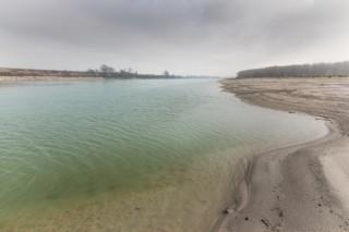 Il colore dell'acqua del po in inverno