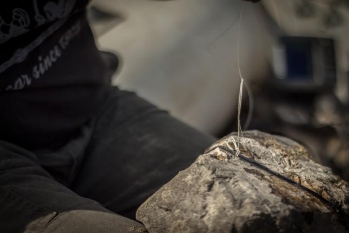 Particolare del fissaggio della break line alla pietra
